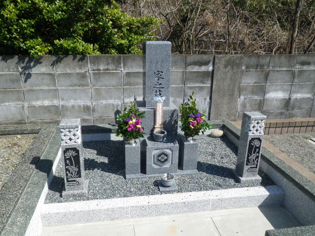 シンプル墓石①