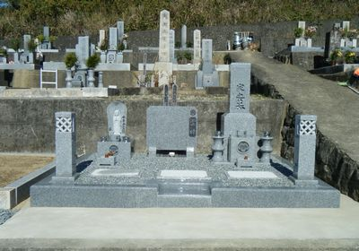 なぜお墓を建てるのか
